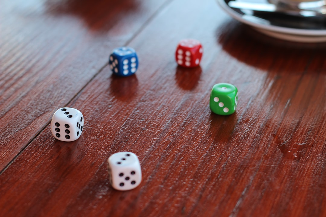 The Benefits Of Playing Dice Online